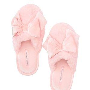 Victoria's Secret Velvet Bow Slippers Pink M NIP